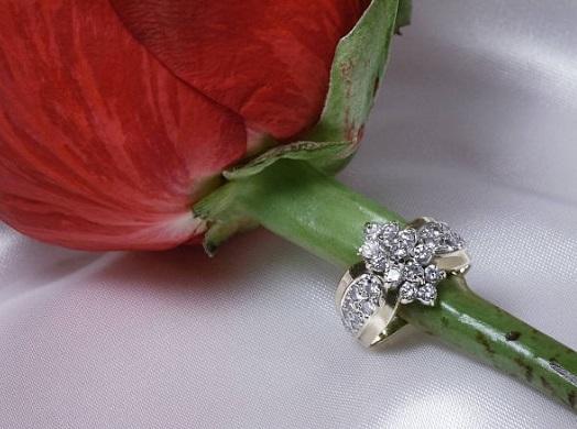 diamond rings with halo